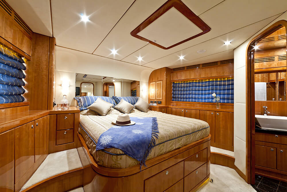 Cabine Armadio Vip : Cabina vip samaric motor yacht charter